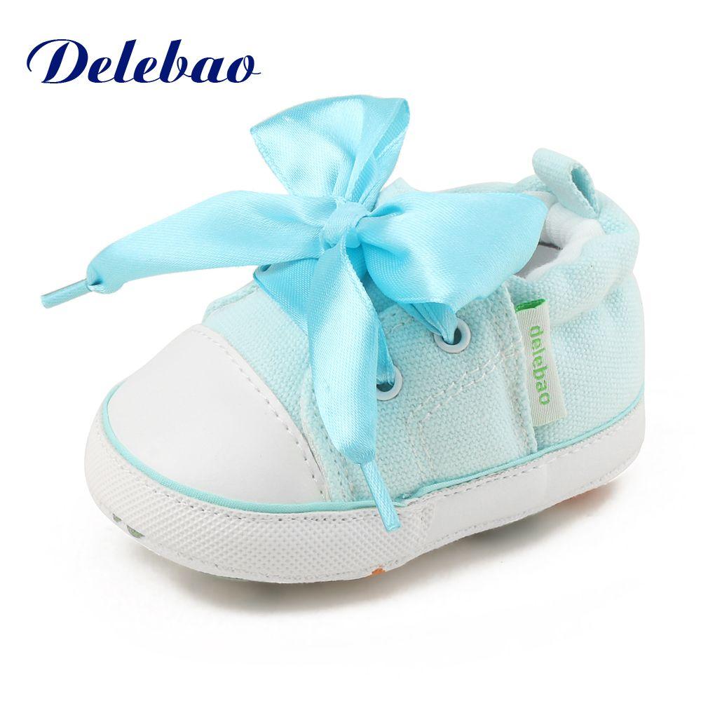 Delebao свежий Стиль Кружево-Up Обувь для младенцев Осень/весна хлопок мягкая подошва малыша Обувь для 0-18 месяцев новорожденных Обувь для малыш...