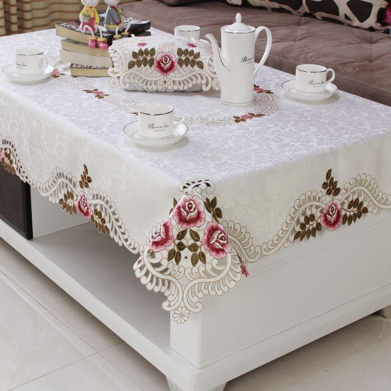 Nappe blanche rouge de mariage de salle à manger d'hôtel à la maison avec la nappe rectangulaire florale brodée par dentelle aux couvertures de Table