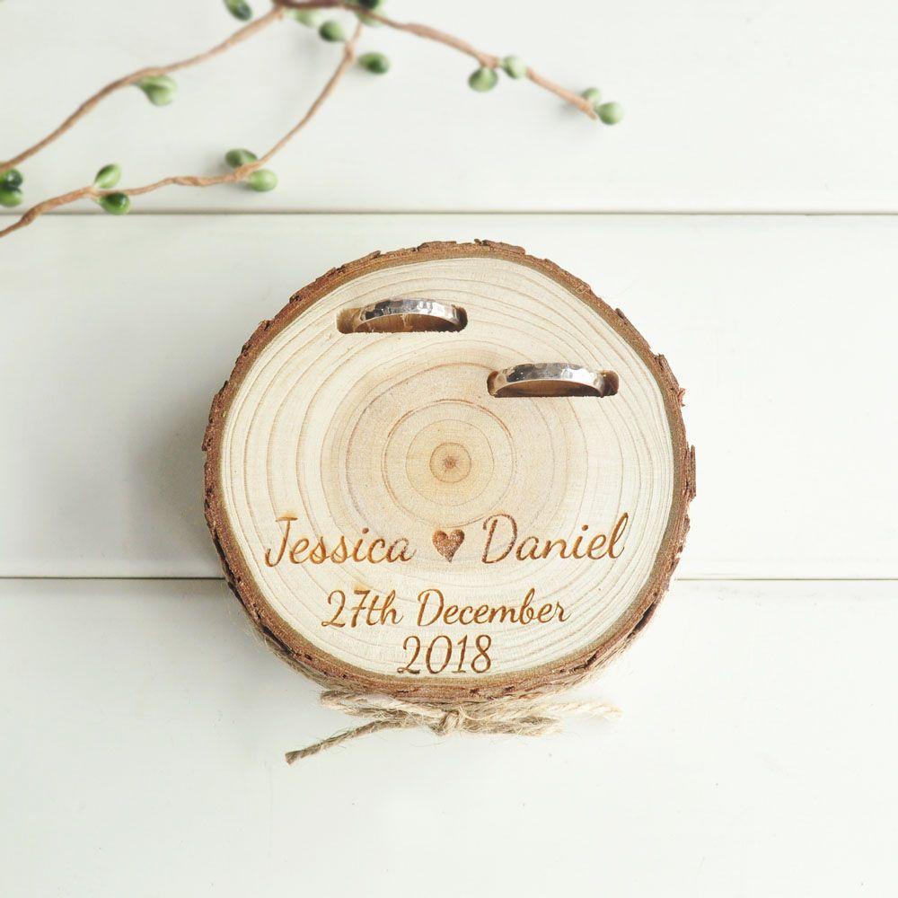 Boîte de porteur d'anneau de cadeaux de mariage personnalisés porte-anneau boîte de bague en bois de tranche de Nature pour l'engagement