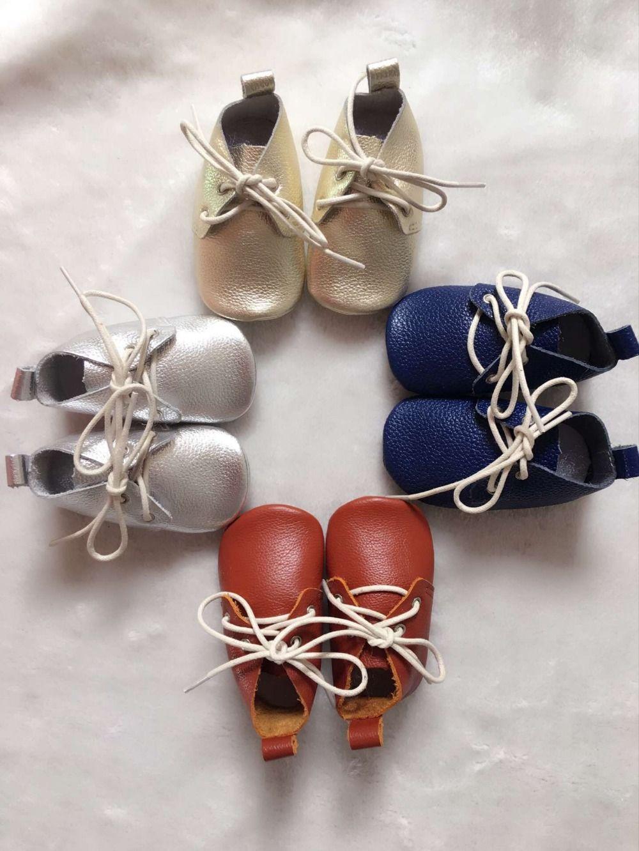 Nouveau solide Véritable En Cuir Bébé Mocassins Chaussures à lacets Bébé Chaussures à semelle souple Nouveau-Né oxford premiers marcheurs Infantile bébé boot