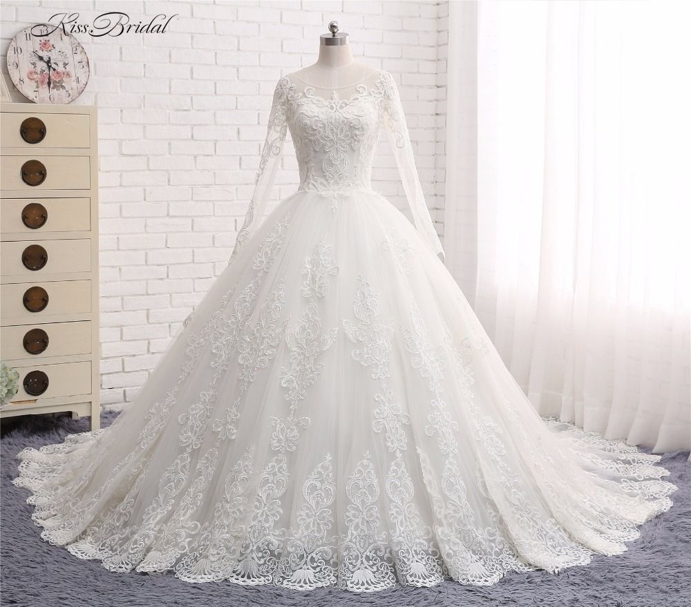 Princess Ball Gown Wedding Dresses Vestido de Noiva 2017 Scalloped Long Sleeve Lace Appliques Tulle Bridal Gown Robe de Mariee