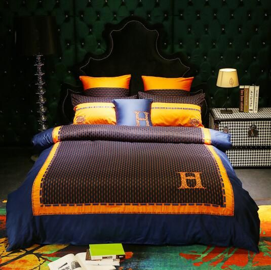 High-end luxury royal french italy design rococo embroidery branded king queen size quilts coffee H letters horse bedding sets