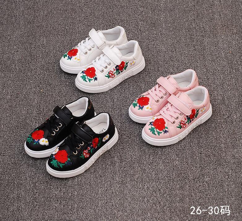 Новая обувь вышитые Обувь универсальная Корейская Обувь для девочек Ретро детские спортивные Обувь небольшие красный Обувь