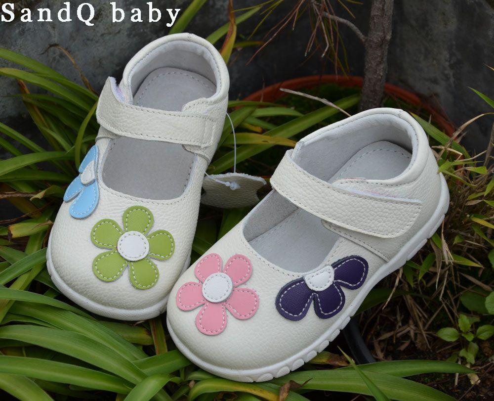 Niñas zapatos de cuero genuino negro Mary Jane con flores rosa blanca niños buena calidad stock poco zapato hermoso de los niños