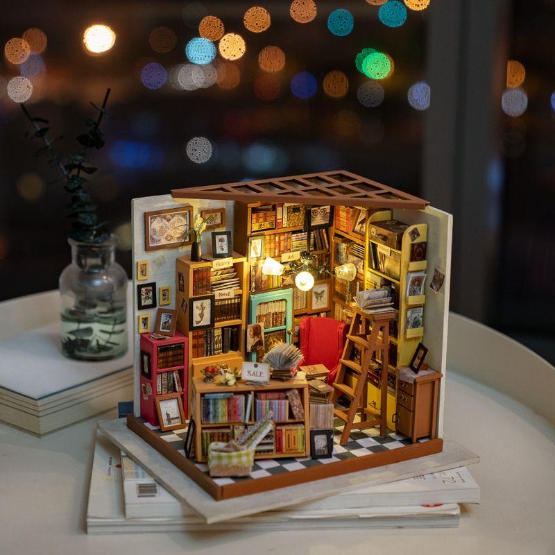 Rolife Home Decor Figurine DIY Sam Study Room Wood Miniature Model Kits Decoration Dollhouse Christamas Gift for Kids DG102