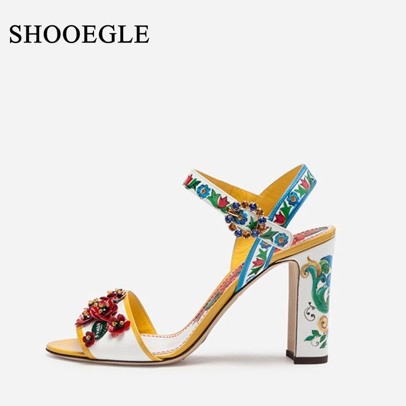 Neue Luxus Floral Print Sandalen Frauen Bunte Applique Heels Sexy Offene spitze Chunky Ferse Sommer Schuhe Schnalle Sandalen Weiblichen