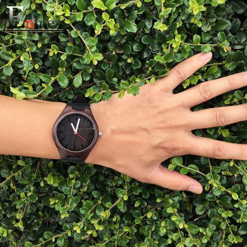 2017 festival mémorial jour cadeau Enmex couleur foncée bambou montre-bracelet travail d'art à la main en bois naturel quartz montres