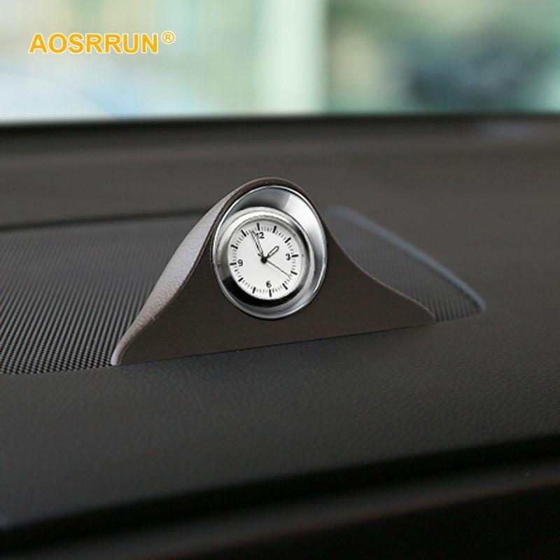 Eine auf-board quarzuhr quarzuhr für dashboard dekoration Auto Zubehör Für porsche macan cayenne paramela Cayman 911 718