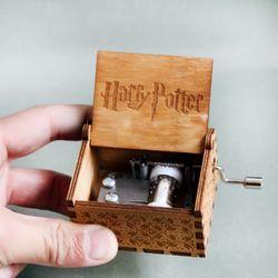 Antiguo tallado caja de música Juego de tronos harry potter Star Wars manivela de madera tema