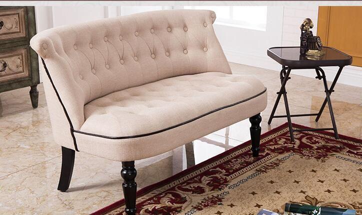 Europäischen Stil Polster Sofa Zwei Sitzer Sofa Wohnzimmer Möbel Moderne Sofa Buttom Tufted Kissen Antike Holz Beine
