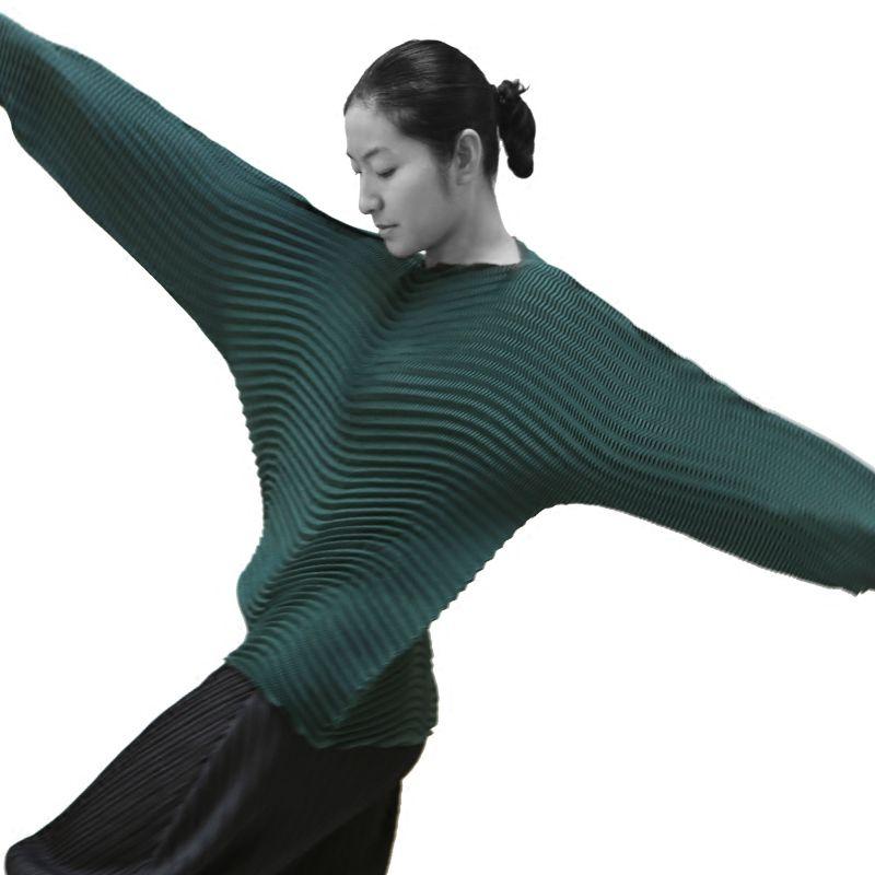 Changpleat herbst weibliche T-shirts Miyak Plissee welle Modedesign lose Große strecke Strich Hals Schwarze frauen T-shirt Plus Größe