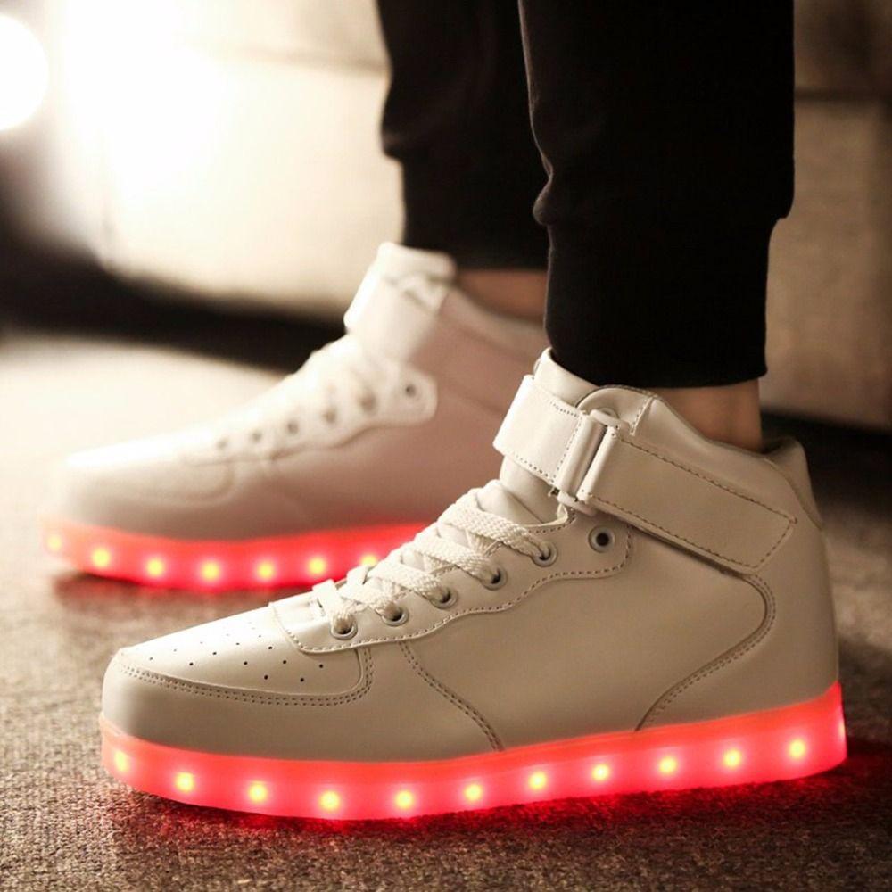 2017 neue Bunte Led-Licht Schuhe USB Wiederaufladbare Mädchen Jungen Turnschuhe Kühle Licht Spitze Up männer frauen schuhe Neueste