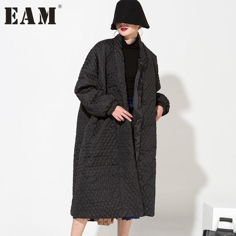 [EAM] 2018 Hot New European Temperament Black Highest Quality Long Loose Coat Very Warm Women Long-sleeved WTH1201
