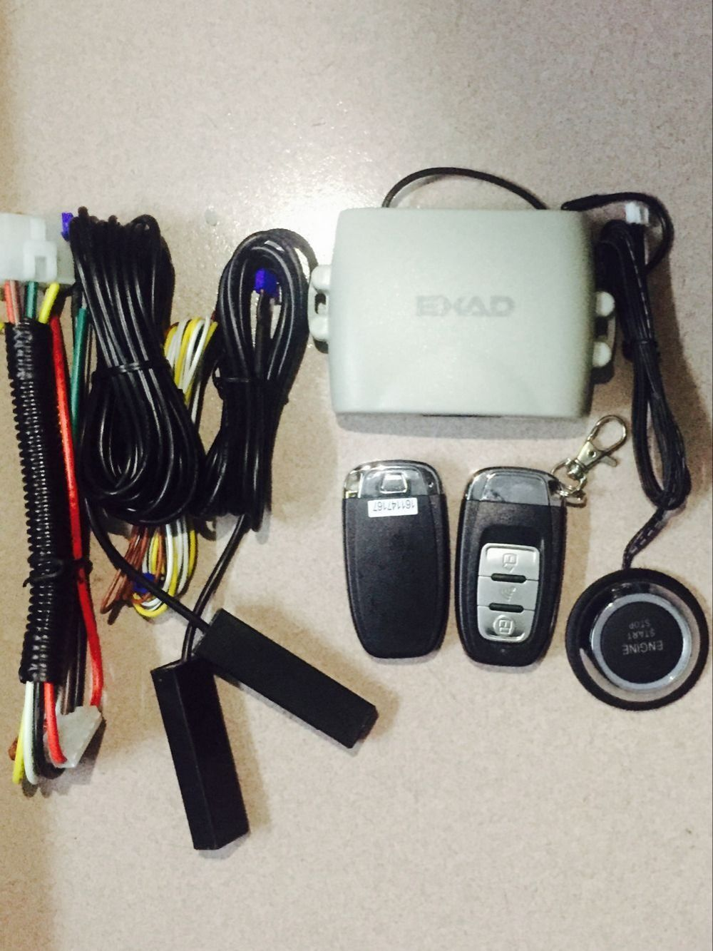 PKE Smart Car Alarm System With Passive Auto Lock/ Unlock Car Door Keyless push Button Start Stop,Remote Start Stop For Toyota