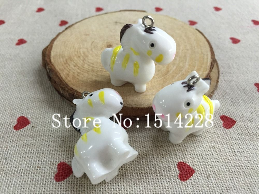 Free shipping!  Cute animal charms. 3D resin kawaii yellow horse pendant for key chain/phone decoration,DIY.