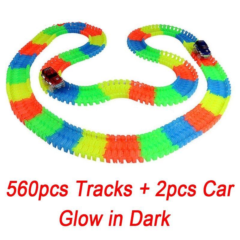560 шт. трек + 2 автомобили Glow Racing светящиеся гоночной трассе изгиб Flex Электронные железнодорожные Glow гоночный автомобиль игрушка Roller coaster игр...