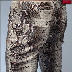 2019 Fashion Pria Slim Faux Ular Python Kulit Cetak Celana Pria Kepribadian Pu Kulit Celana Latihan Yg Hangat Chandal Pria Kualitas Tinggi