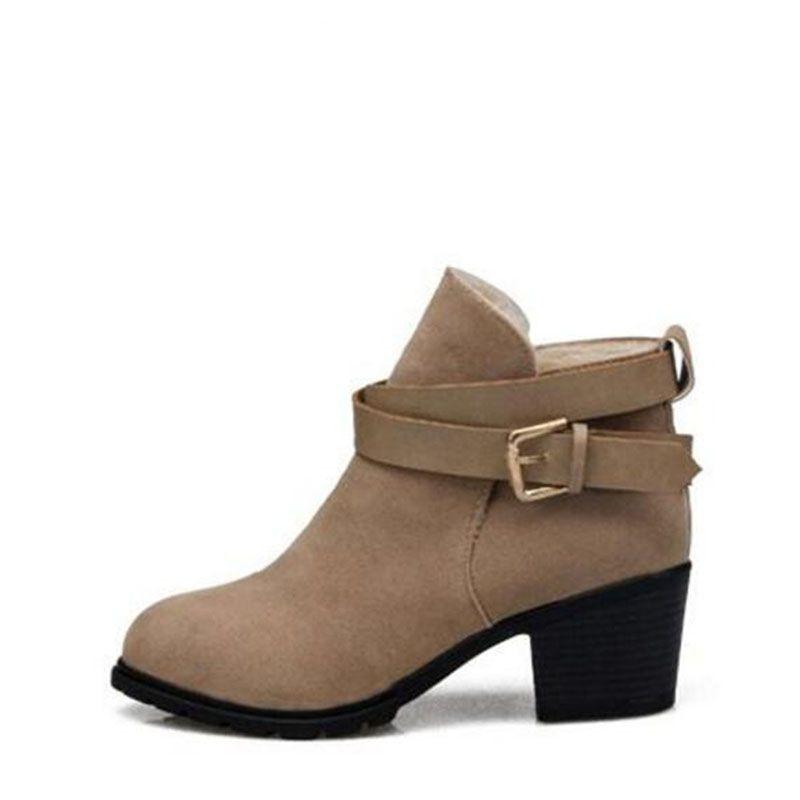 2017 otoño y el invierno de la moda hebilla botas cortas de moda fregar botas martin gruesas botas de tacón de cuña botas