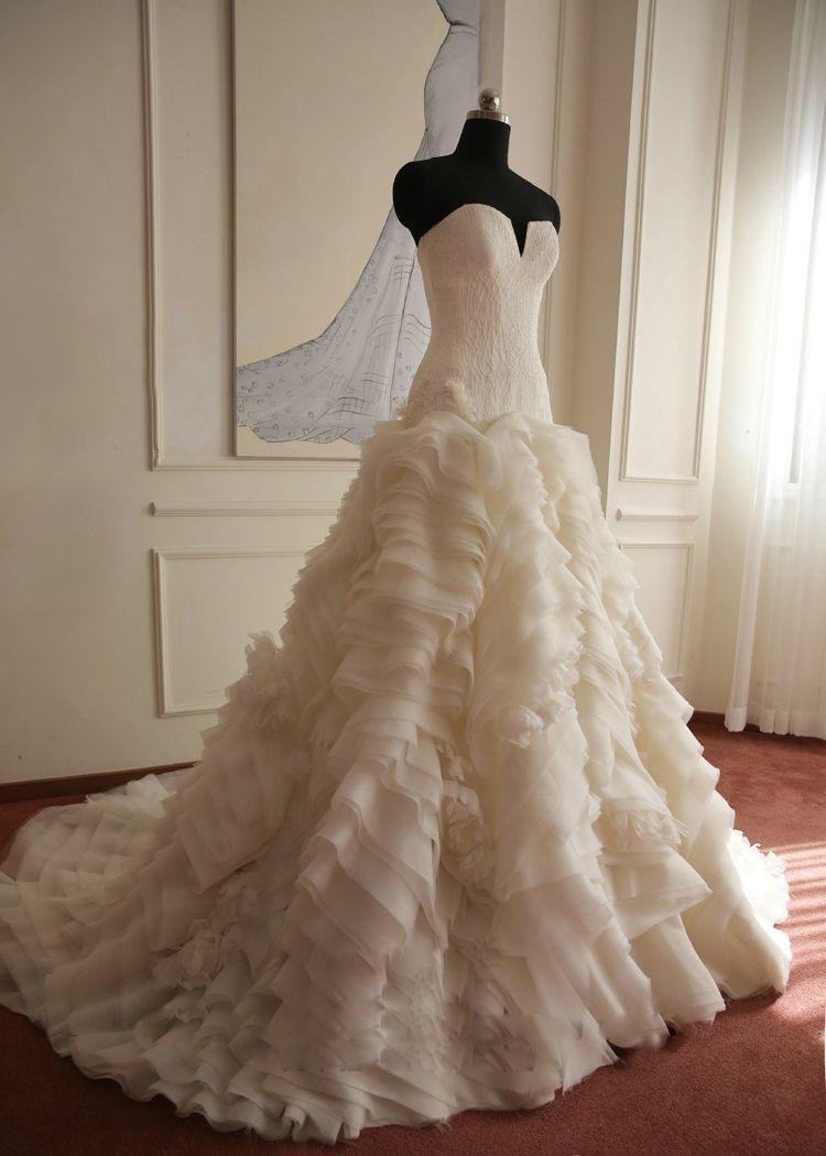 Prices in Euros Honorable Ruffles Real Sample Lace Wedding Dress Vintage Wedding Dress 2018 Vestido De Noiva Renda Organza MS109