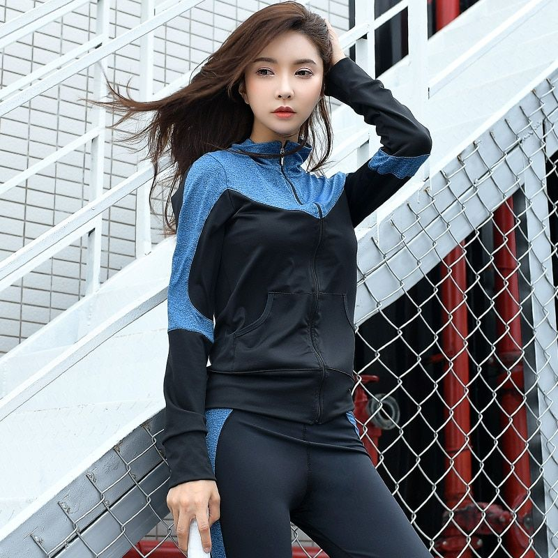 2018 New Yoga Set 4 Pcs Women Sportswear Female Outdoor Patchwork Training Suit Breathable Jacket Shirt Bra Legging Exercise Set