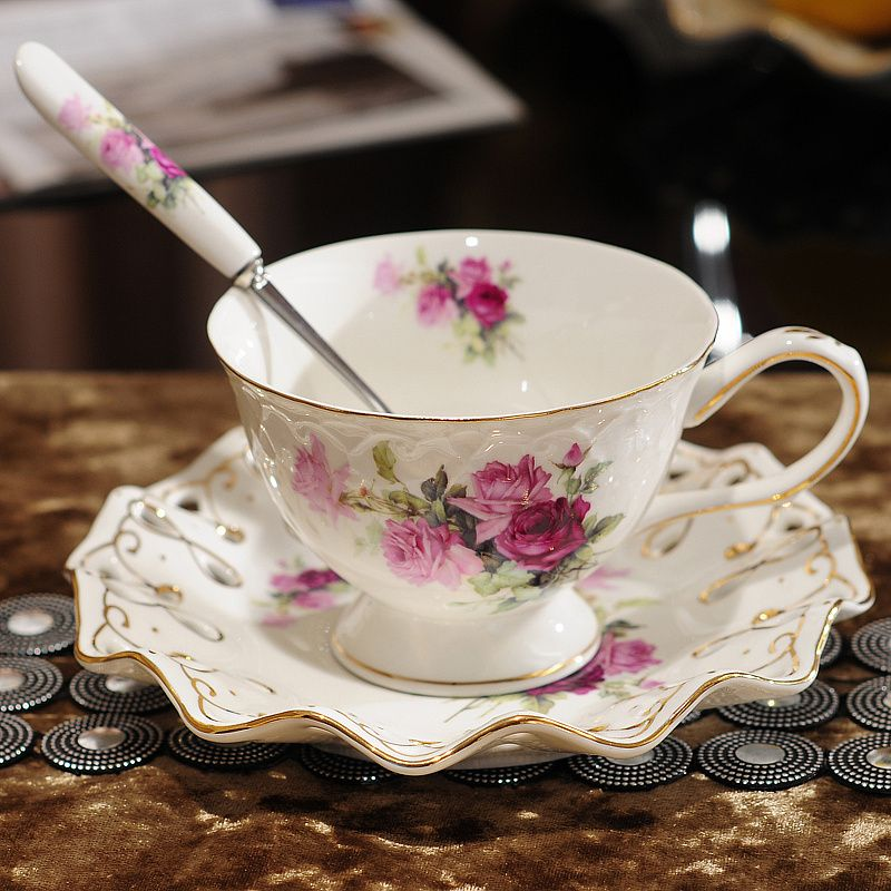 Ontinental European Tea Set Ceramic Coffee Cup Suit British Style High-Grade Bone China Coffee Cup And Saucer With A Spoon