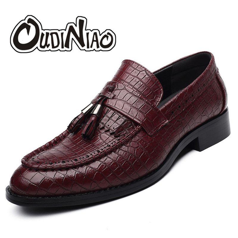 Бахрома мужские туфли без шнуровки с кисточками Лоферы для женщин Обувь из искусственной кожи Для мужчин острый носок аллигатора Обувь для ...