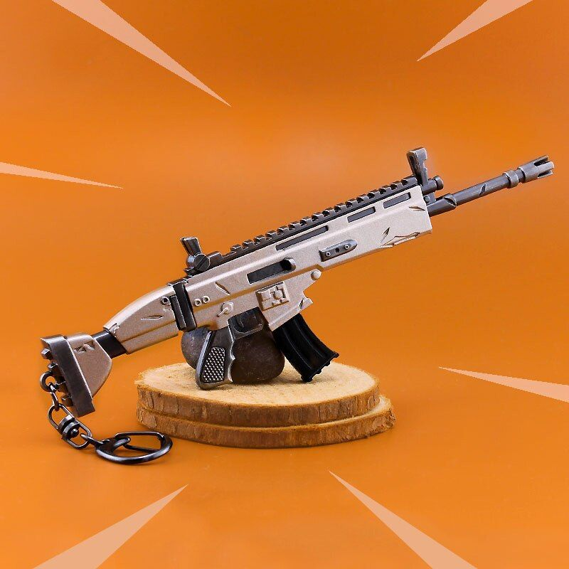 Fortress Night Keychain Toy Battle Royalen Action Figure From FORTNIGHT Scar Rifle Weapon Model Alloy Weapons PUBG Fort Night