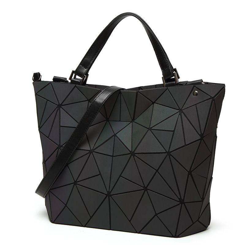 New Women Laser Geometry Bag Sequins Quilted Saser Folding Shoulder Bags Luminous Handbag Diamond Casual Tote Bucket Bag bolso