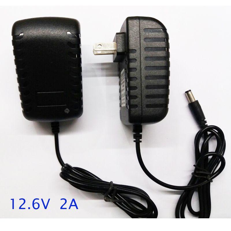1 pièces rapide intelligent et intelligent 12.6 V 2A lithium ion chargeur adaptateur pour 12 v 11.1 v Li-ion batterie pack utilisation