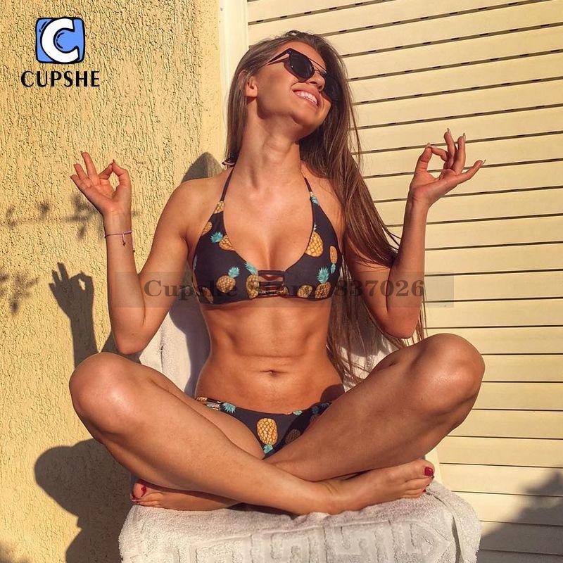 CUPSHE 2016 Hot Women's Pineapple Printing Halter Padding Bikini Set