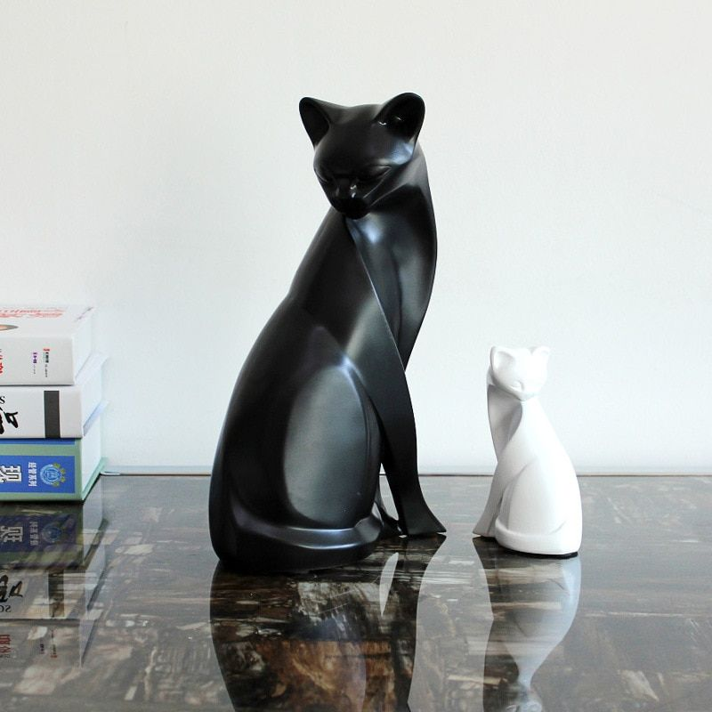 Home Furnishing decorations of black and white modern minimalist resin crafts wedding gift cat living room decoration