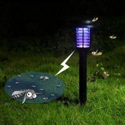 4 pcs/lot Solaire Alimenté En Plein Air Cour Jardin Pelouse Lumière Étanche Anti Moustique Insecte Ravageur Bug Zapper Tueur Piégeage LED Lampe