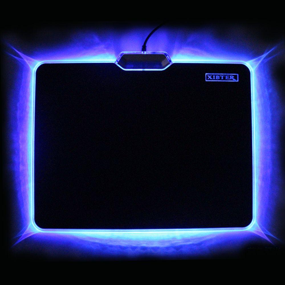 Vente chaude Cool tapis de Souris Lumineux 300x240mm antidérapant En Caoutchouc Bas LED Lumière Bord Tapis De Souris Pour ordinateur portable De Bureau PC Jeu Vidéo Embarquée