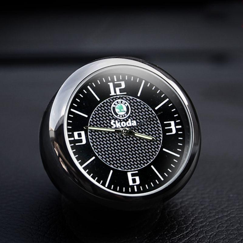 Livraison gratuite horloge de voiture horloge électronique de voiture décoration intérieure montre à quartz accessoires de style pour Skoda Mingrui vitesse