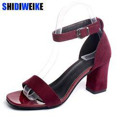 2018 correa de tobillo Tacones mujeres Sandalias verano Zapatos mujeres abierto toe chunky Tacones altos partido Sandalias tamaño grande 40