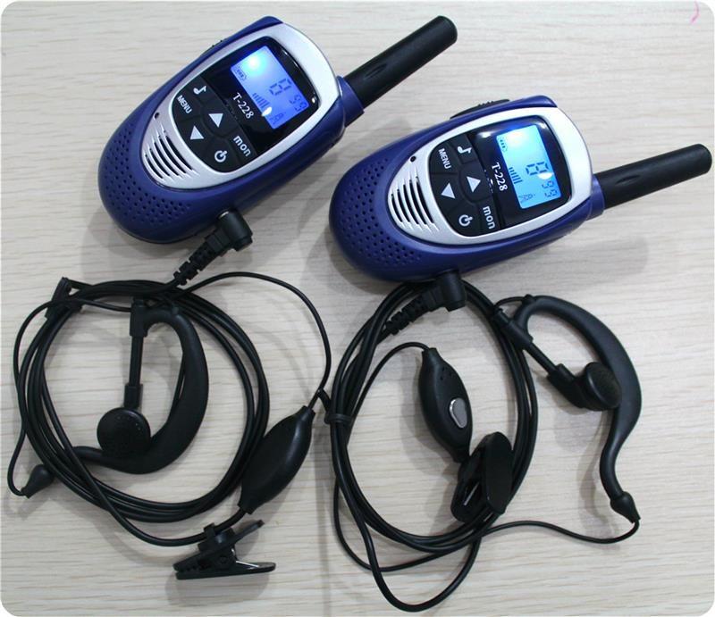 2PCS Handheld Mini kids Walkie Talkies T228 FRS GMRS 22 Channels UHF CB Radios two Way Radios Intercom w/ Earphones charger