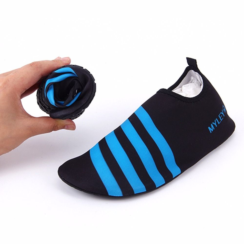 Folding Neoprene Short Ankle Socks Slip on Unisex Water Sports Surfing Swimming Socks Waterproof Diving Sock Warm Non-Skid Shoes