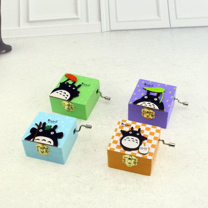 Manivelle Boîte À Musique Créative Étudiant Cadeau Boîte à Musique Mon Voisin Totoro En Bois 4 Différents Modèles Boîte à Musique Cadeaux De Noël