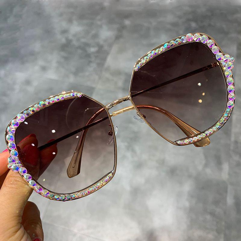 2019 lunettes de soleil femmes luxe strass carré lunettes de soleil lentille claire surdimensionné hommes lunettes de soleil Vintage nuances