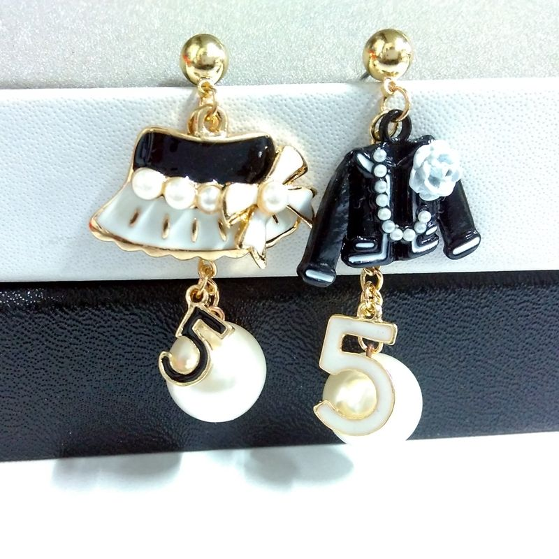 Célèbre conception d'or perle boucle d'oreille pour les femmes nombre 5 cap à la mode bijoux