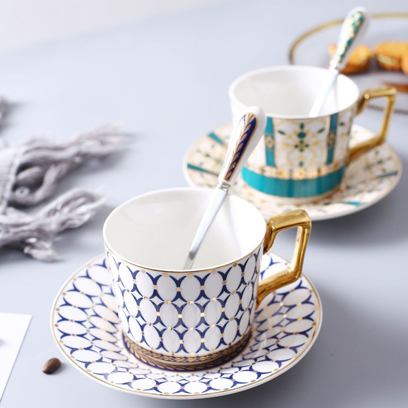 High Grade Gilt Geometric Pattern Coffee Cup Saucer Set Lover's Gift Morning Mug Milk Coffee Tea Breakfast Porcelain Bone Cup
