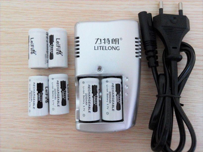 6 pcs 3.7 v 2200 mah CR123A rechargeable batterie au lithium + 1 pcs chargeur dédié 16340 caméra/lampe de poche Rechargeable jeu de piles