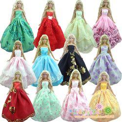 30 Items = 10 gaun pengantin, Princess gown, + 10 pasang sepatu, + 10 aksesori pakaian untuk boneka barbie, Bayi hadiah mainan