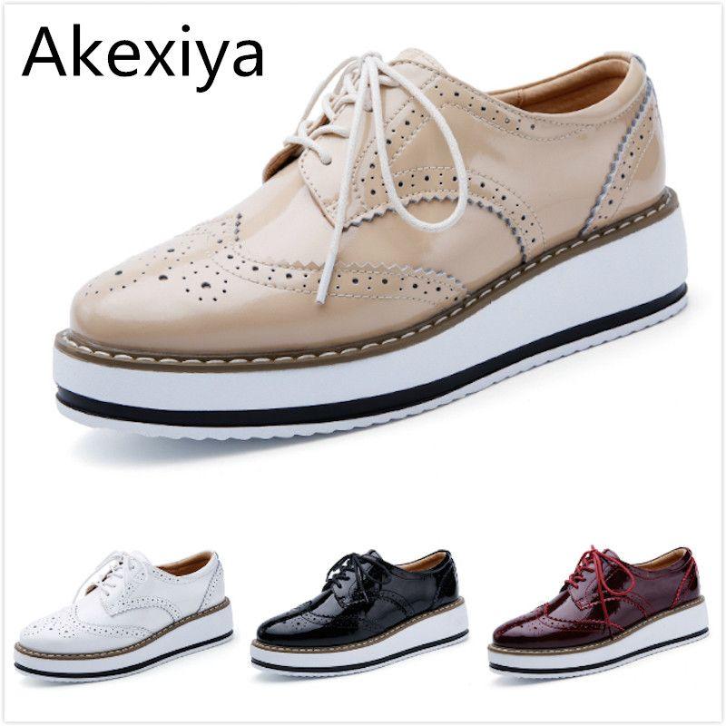 Akexiya mujeres plataforma oxford brogue creepers pisos lace up zapatos de charol en punta de la vendimia de lujo beige rojo vino negro