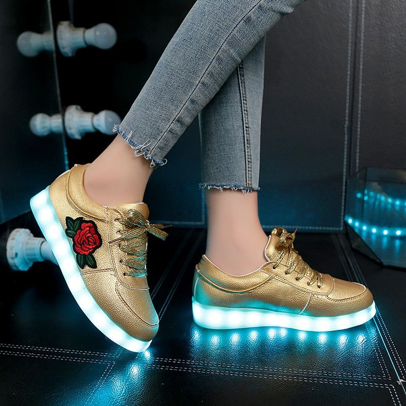 Luminous Sneakers with Backlight Glowing LED Shoes Boys Girls Sneakers with Luminous Sole Kids Female Basket Femme LED Slippers