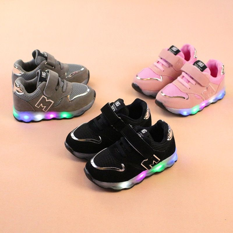 2018 New Luminous Sneakers Basket Led Children Lighting Shoes Boys illuminated krasovki tenis infantil Glowing Girls Sneakers