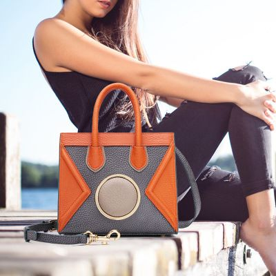 2017 schöne Mädchen Rindsleder Kleine Umhängetasche Frauen Messenger Taschen Aus Echtem Leder Dame Tasche Berühmte Marke frauen Umhängetasche
