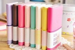 Couleurs de sucrerie De Mode Mignon Charme Mini Smiley Papier Journal Notebook Mémo Livre en cuir bloc-Notes Papeterie Pocketbook