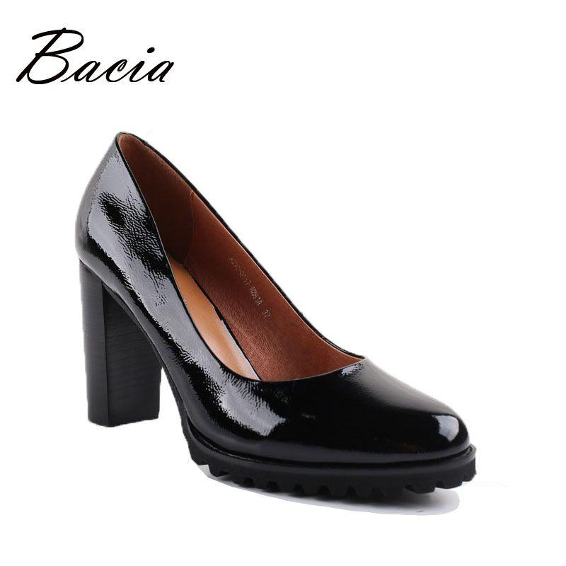 Bacia Véritable chaussures En Cuir Femmes Tête Ronde Pompes Sapato feminino Haute Talons En Cuir Verni De Mode Noir Partie Chaussures 2017 VA010