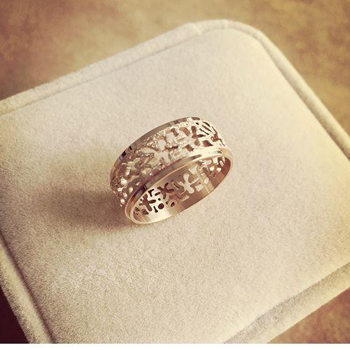 2019 Givré anneau Magnifique creux unique design or rose couleur acier inoxydable anneaux pour les femmes bague femme anillos ringen cadeau